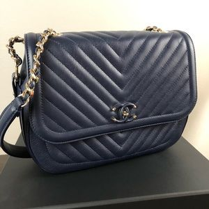 Chanel Navy purse. Like new!